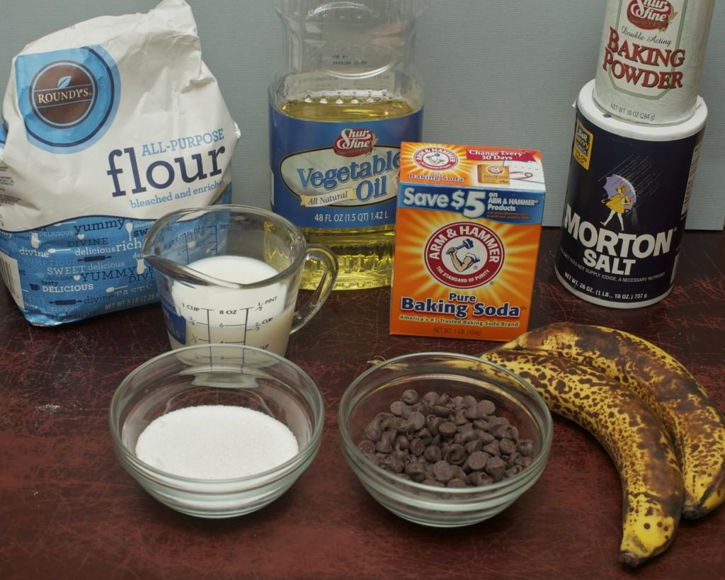 banana bread chocolate chip muffin ingredients