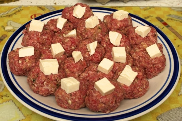 Spaghetti with mozzarella stuffed meatballs,