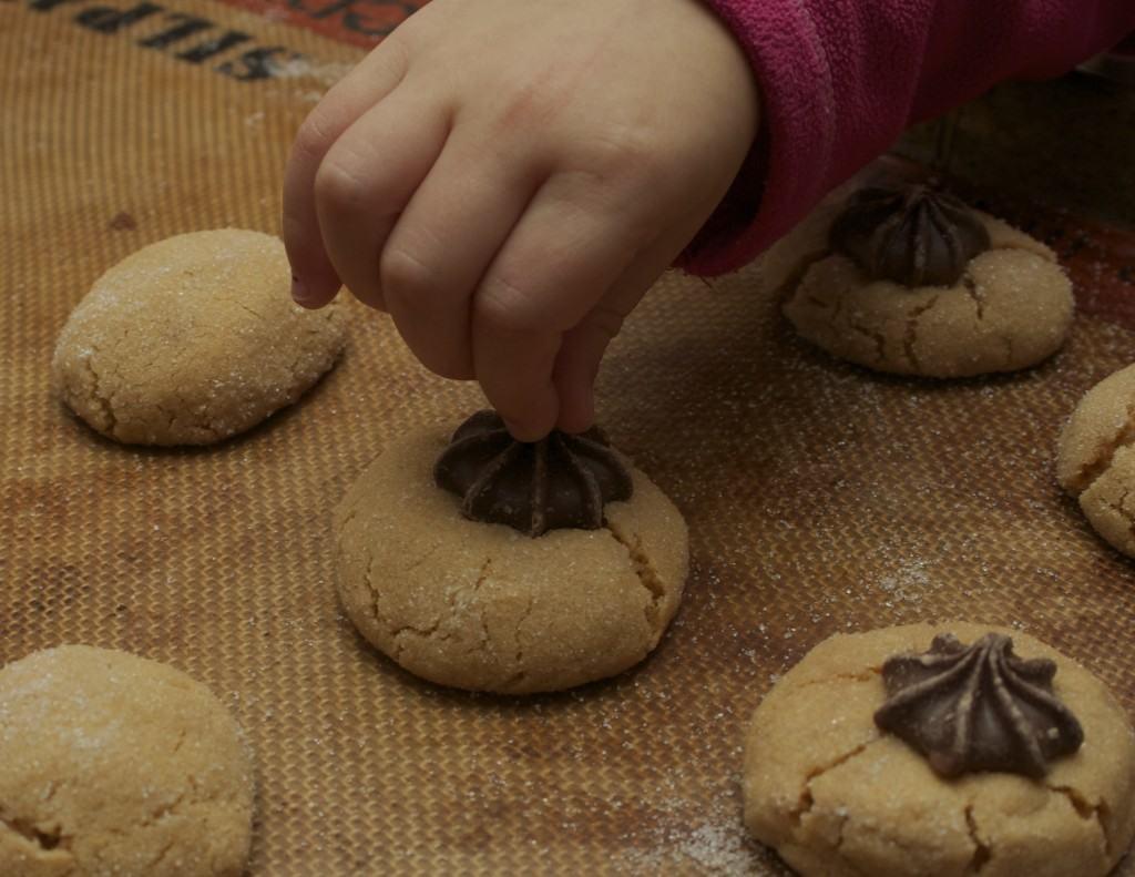 adding stars to cookies