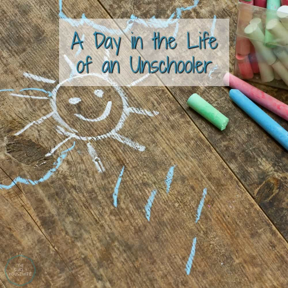 What does an unschooling schedule look like? Do you like the idea of unschooling, but have no idea how to structure your day? A day in the life of an unschooled preschooler involves imagination, problem solving, storytelling, conflict, and play! If you need ideas for your unschooling preschool, check out this post!