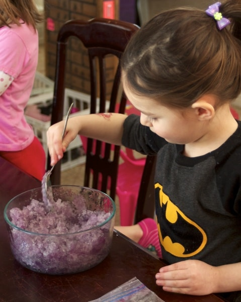 frozen jelly sensory play