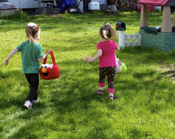 Spring has sprung. Time to get rid of the winter blahs and get back outside. Click here for spring activities for families and homeschoolers alike!
