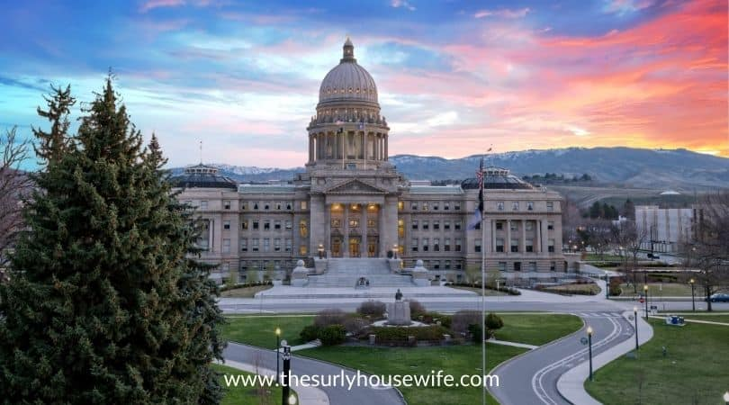 Idaho state capital with sunrise and clouds
